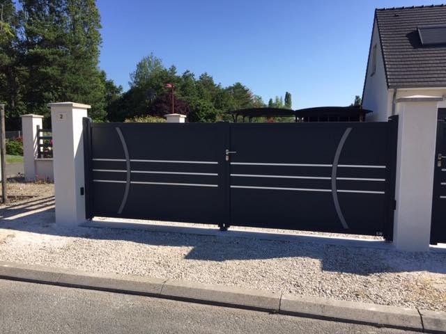 Pose portail grande largeur gris anthracite