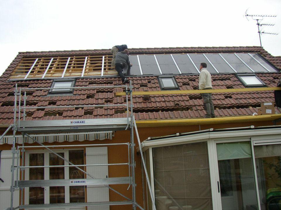 installation-de panneaux-photovoltaïques-sur-une-individuelle